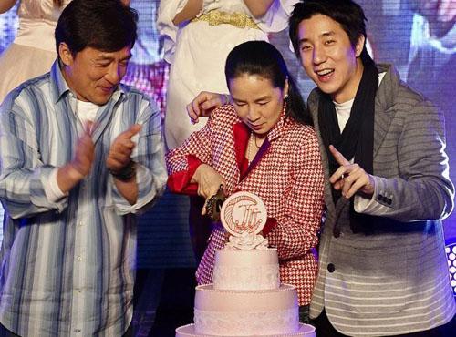 Jackie Chan, Joan Lin Feng-Jiao, Jaycee Chan